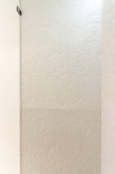 Douche en béton texturé Salle de bain moderne par Concrete LCDA Moderne