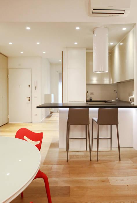 Ingresso: Cucina in stile in stile Minimalista di Filippo Colombetti, Architetto