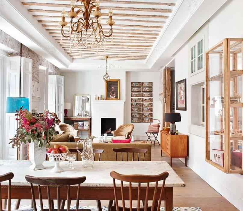 Reforma integral de vivienda: Comedores de estilo ecléctico de Simetrika
