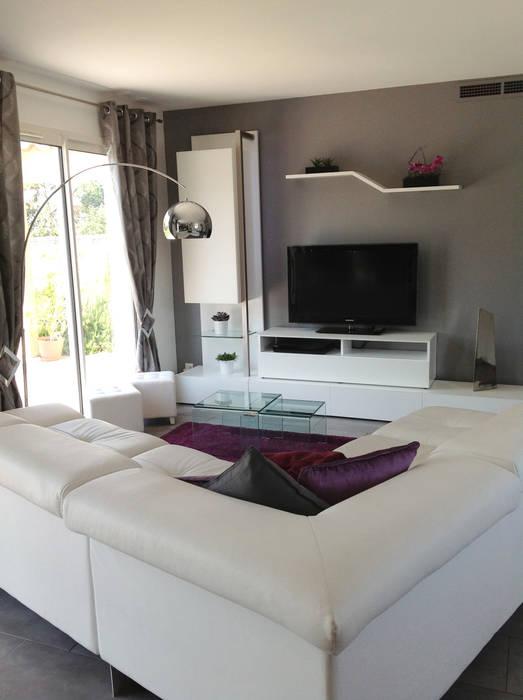 Living room by Audrey Ardalan, Modern