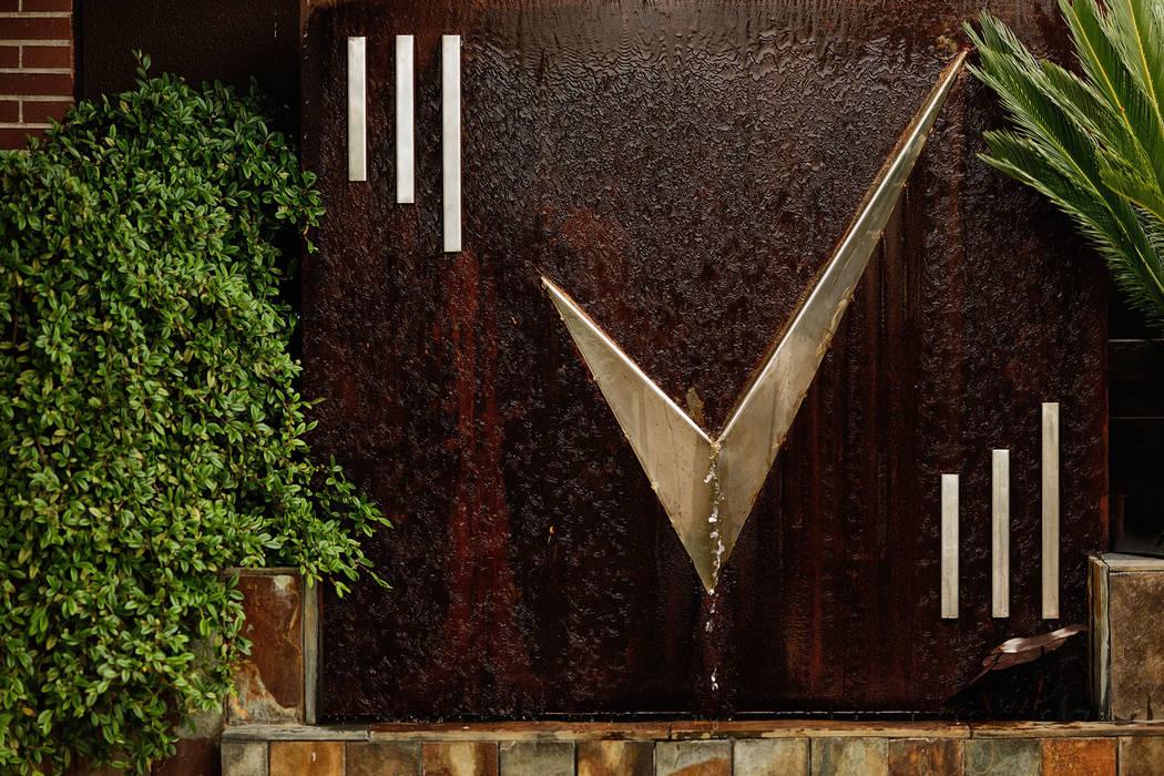 Fuente mezcla acero inox y acero corten de Slabon Forja Creativa Moderno