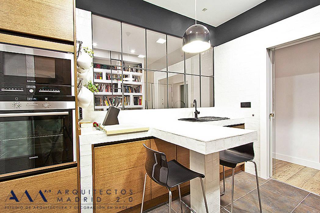Cocinas de estilo moderno por arquitectos madrid 2 0 homify for Cocina estilo moderno
