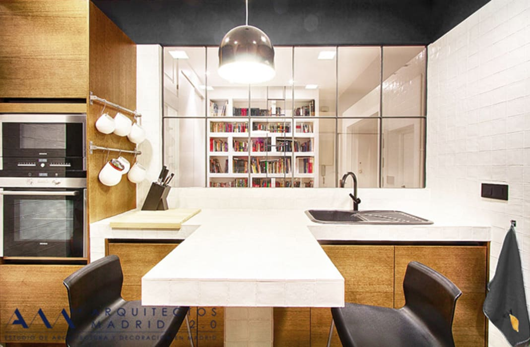 Reforma integral de piso en Madrid Cocinas de estilo moderno de Arquitectos Madrid 2.0 Moderno