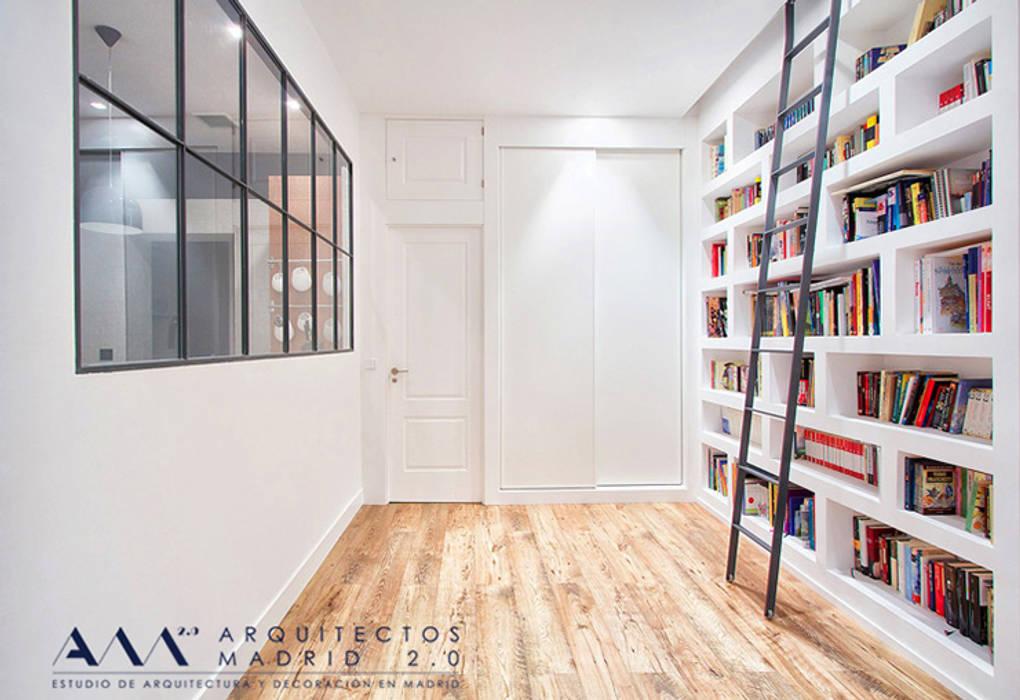 Reforma integral de piso en Madrid Pasillos, vestíbulos y escaleras de estilo moderno de Arquitectos Madrid 2.0 Moderno