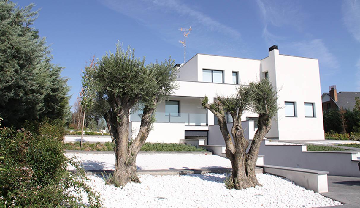 Casa de diseño minimalista: Casas de estilo  de Arquitectos Madrid 2.0