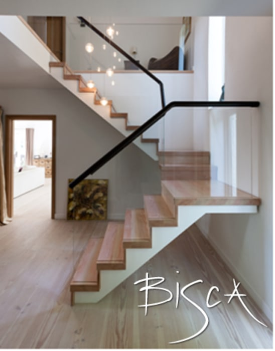 Low iron glass balustrade Modern corridor, hallway & stairs by Bisca Staircases Modern
