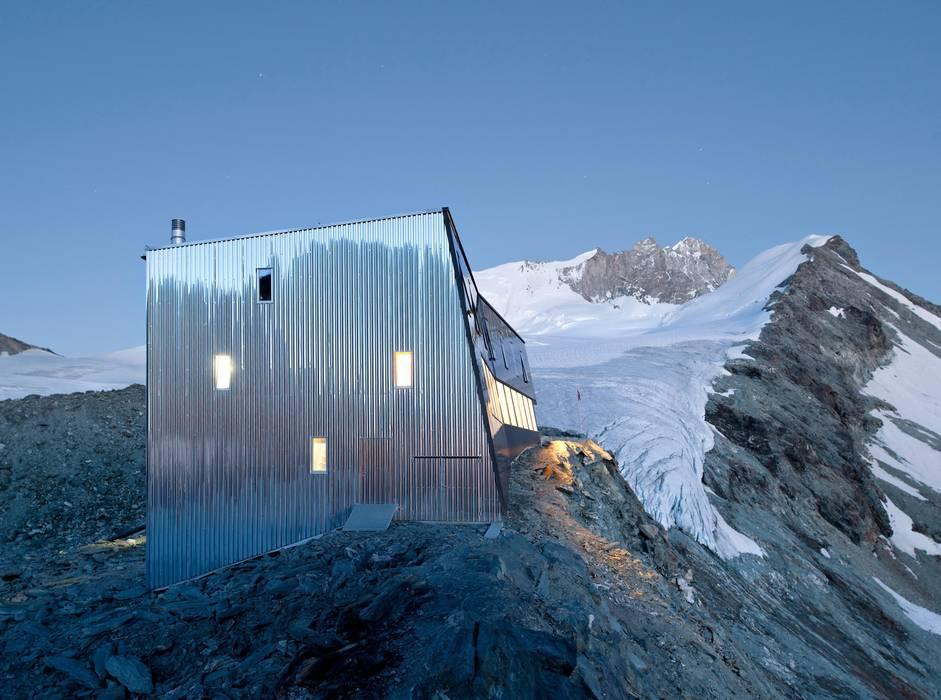 New mountain hut at Tracuit Rooms by savioz fabrizzi architectes