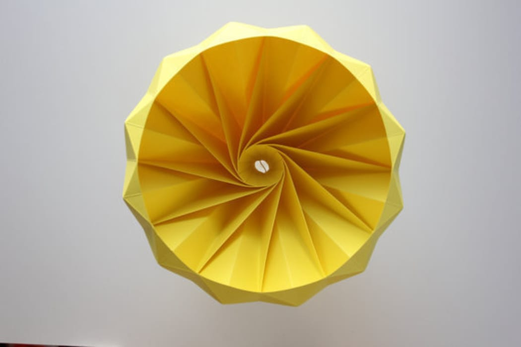 Studio Snowpuppe Lamp : Chestnut lamp living room by studio snowpuppe homify