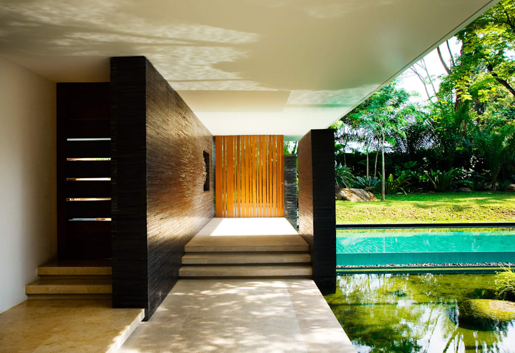 CLUNY HOUSE:  Houses by Guz Architects