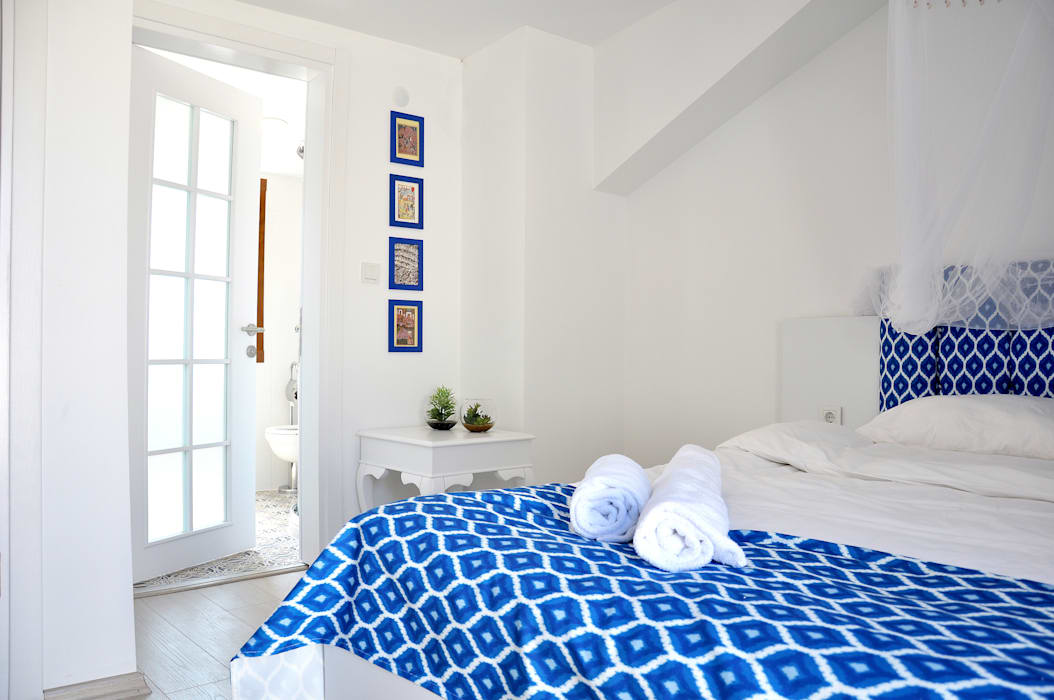 blue and white room :  Hotels by AreDEKO & AreSETS
