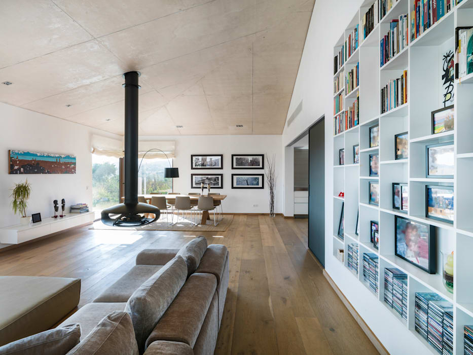 sala de estar - comedor: Salones de estilo  de margarotger interiorisme, Moderno