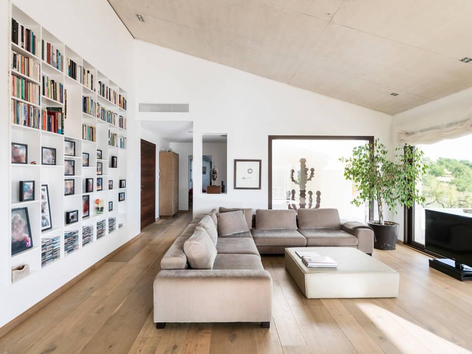 Salas / recibidores de estilo  por margarotger interiorisme, Moderno