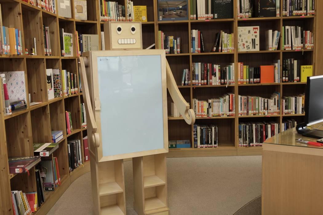 세상에서 가장멋진 로봇 가구 슘: (주)강경숙칠판의  서재 & 사무실