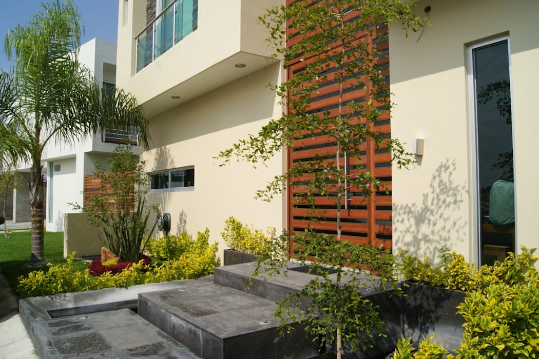 ENTRADA PRINCIPAL: Casas de estilo  por GHT EcoArquitectos, Minimalista