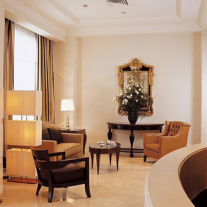 Excelsior Grand Hotel, Catania: Hotel in stile  di Studio Simonetti