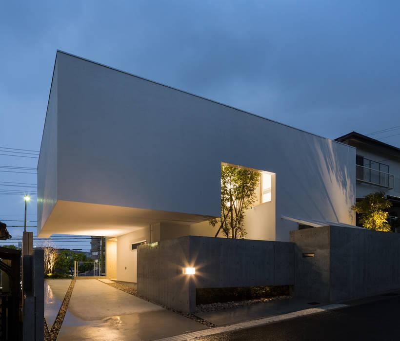 Houses by Kenji Yanagawa Architect and Associates, Modern