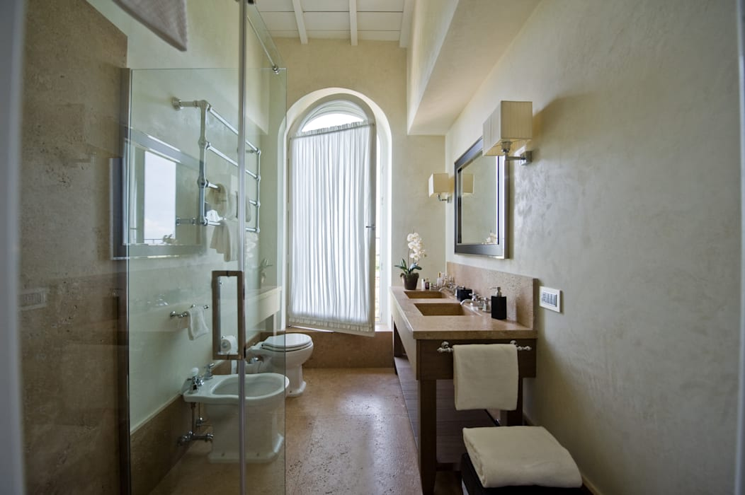 Classic style bathroom by archbcstudio Classic