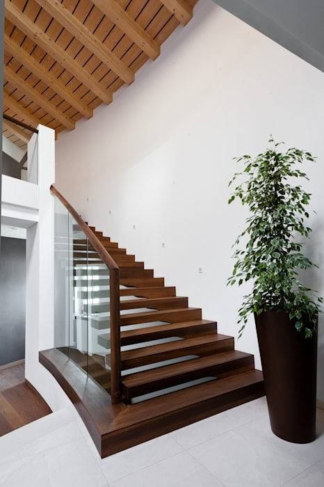 Floating stairs designed for commercial projects Siller Treppen/Stairs/Scale Stairs Wood Brown