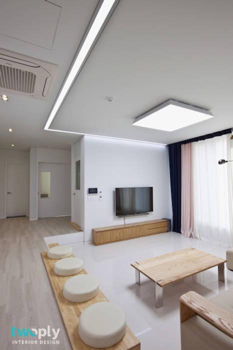 가족을 위한 단독주택 디자인투플라이 모던스타일 거실