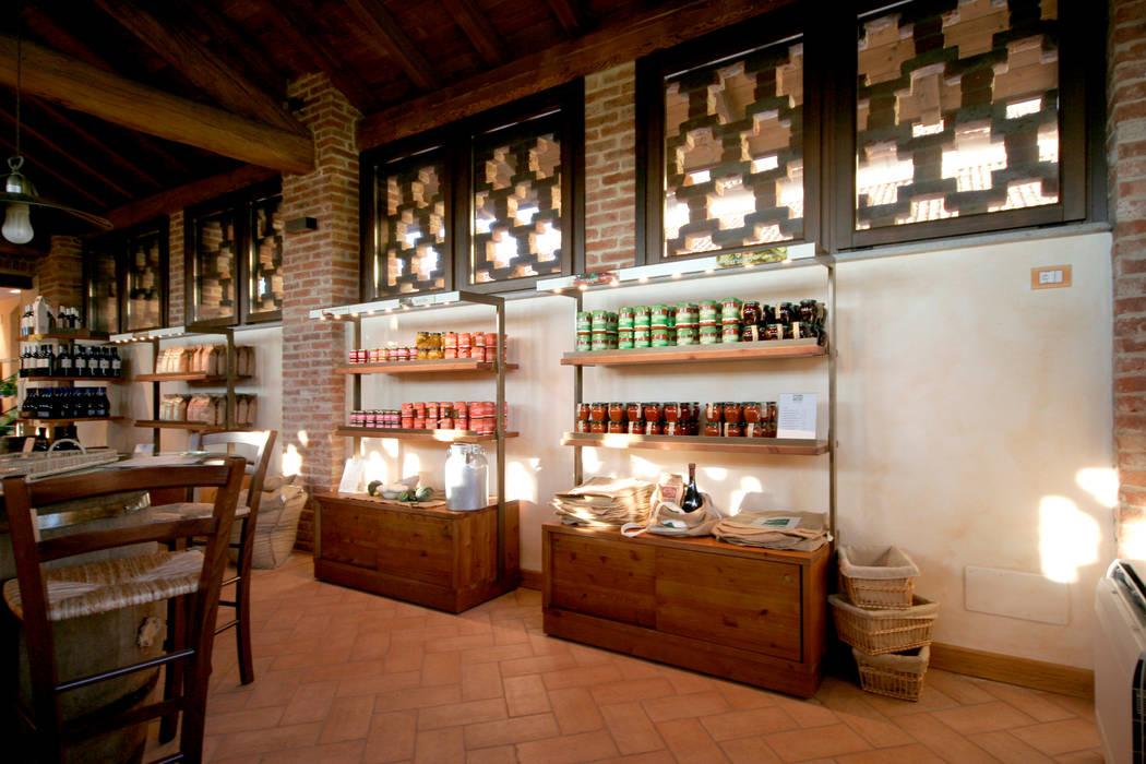 LA BOTTEGA DEL GUSTO: Gastronomia in stile  di Laut srl