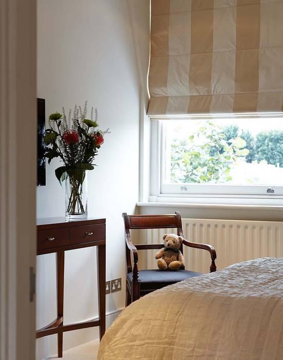 Master Suite Design, Parson's Green, London Rumah Modern Oleh Residence Interior Design Ltd Modern