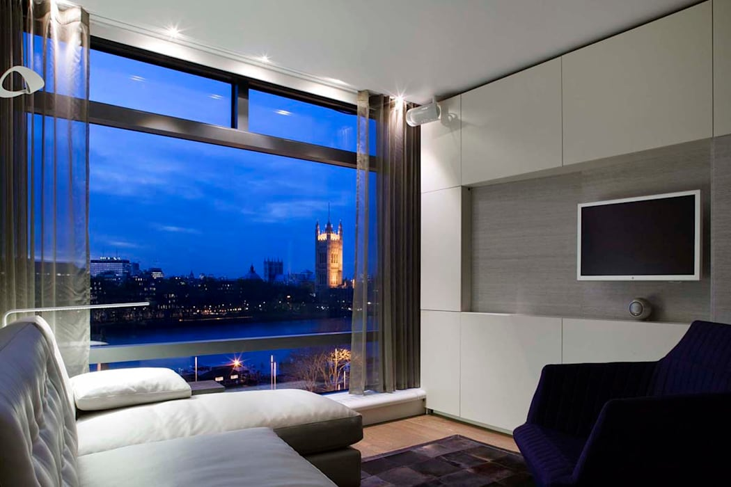 Case in stile  di Residence Interior Design Ltd