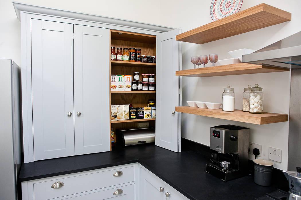 Blue & Grey shaker kitchen Cocinas de estilo moderno de homify Moderno