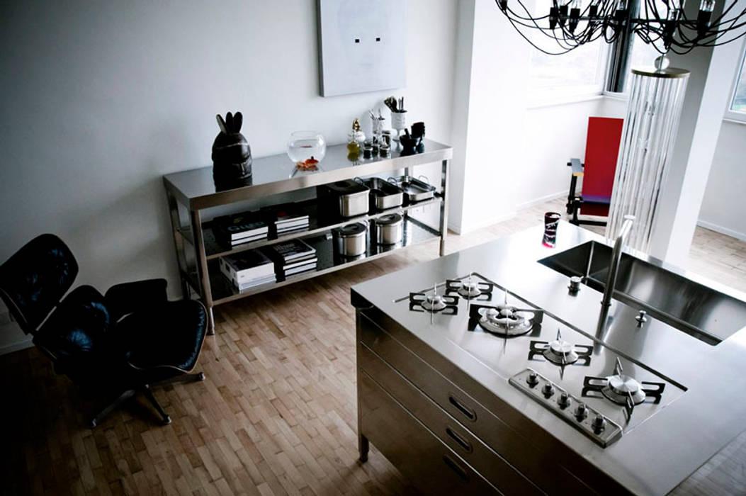 Alpes - liberi in cucina: cucina in stile di alpes inox | homify