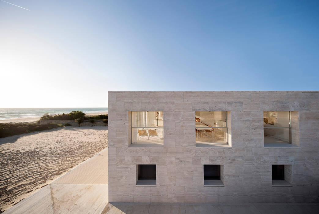 Houses by Alberto Campo Baeza, Modern