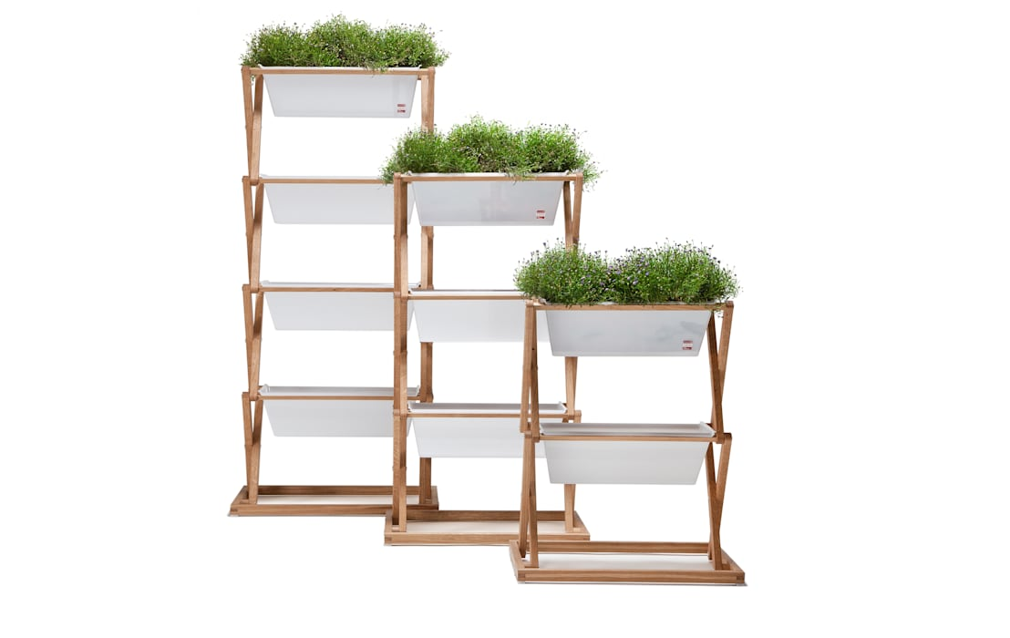 Vertical Garden - indoor & outdoor: modern  von URBANATURE,Modern