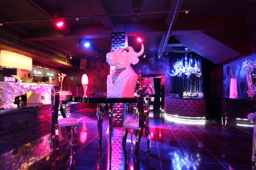 DUX CHIVAS CLUB - DOMINICAN REPUBLIC: Bar & Club in stile  di VGnewtrend