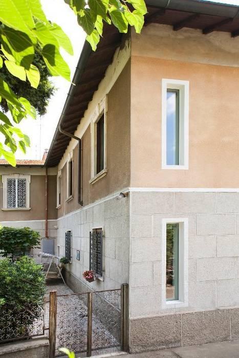Prospetto su parco Case moderne di INNOVATEDESIGN® s.a.s. di Eleonora Raiteri Moderno