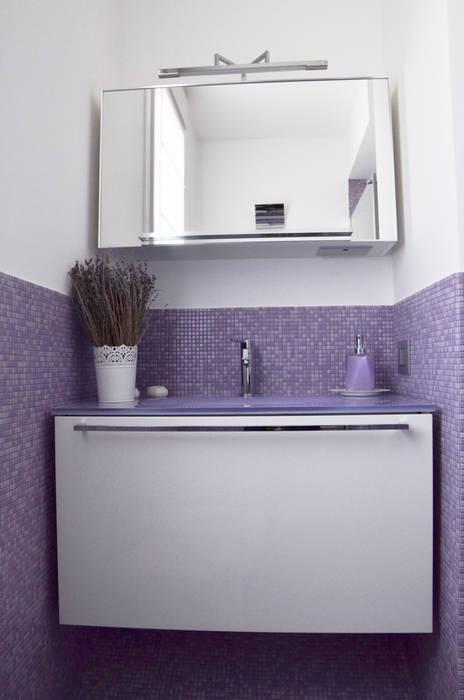 Badezimmer von BIANCOACOLORI, Modern