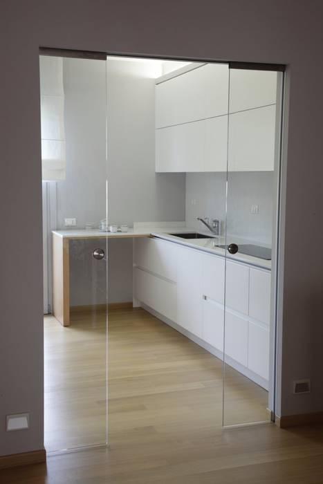 Moderne Küchen von STUDIO PAOLA FAVRETTO SAGL - INTERIOR DESIGNER Modern Holz Holznachbildung
