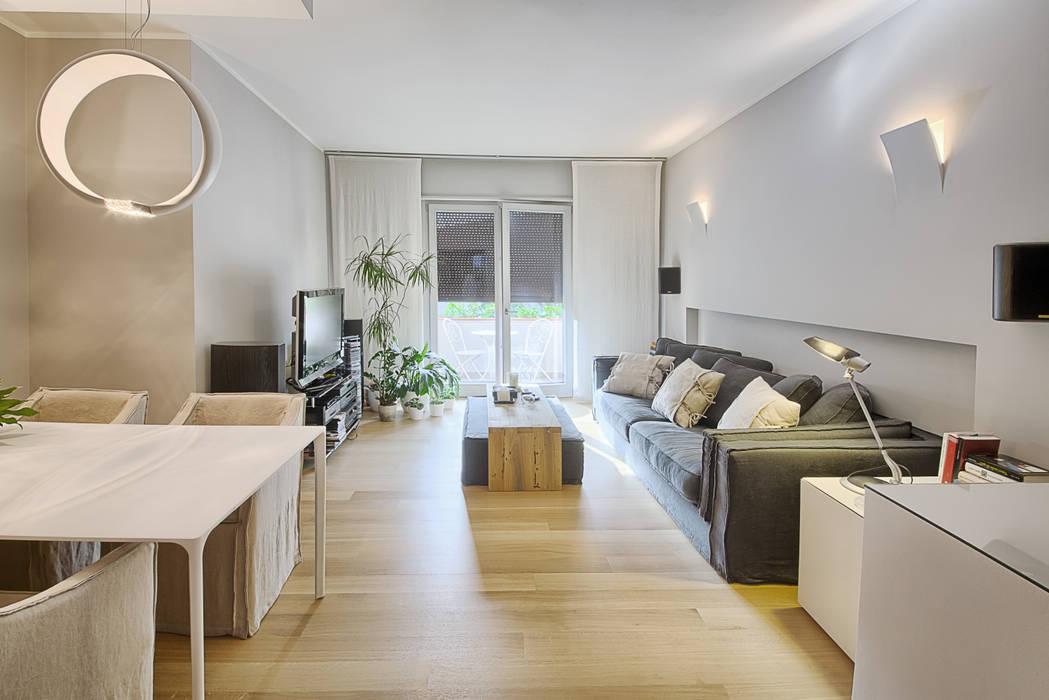 Il salotto, dopo Soggiorno moderno di STUDIO PAOLA FAVRETTO SAGL Moderno Legno Effetto legno