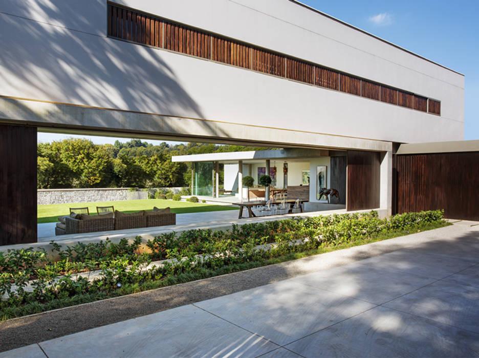 House 01, Hyde Park Case moderne di Daffonchio & Associates Architects Moderno