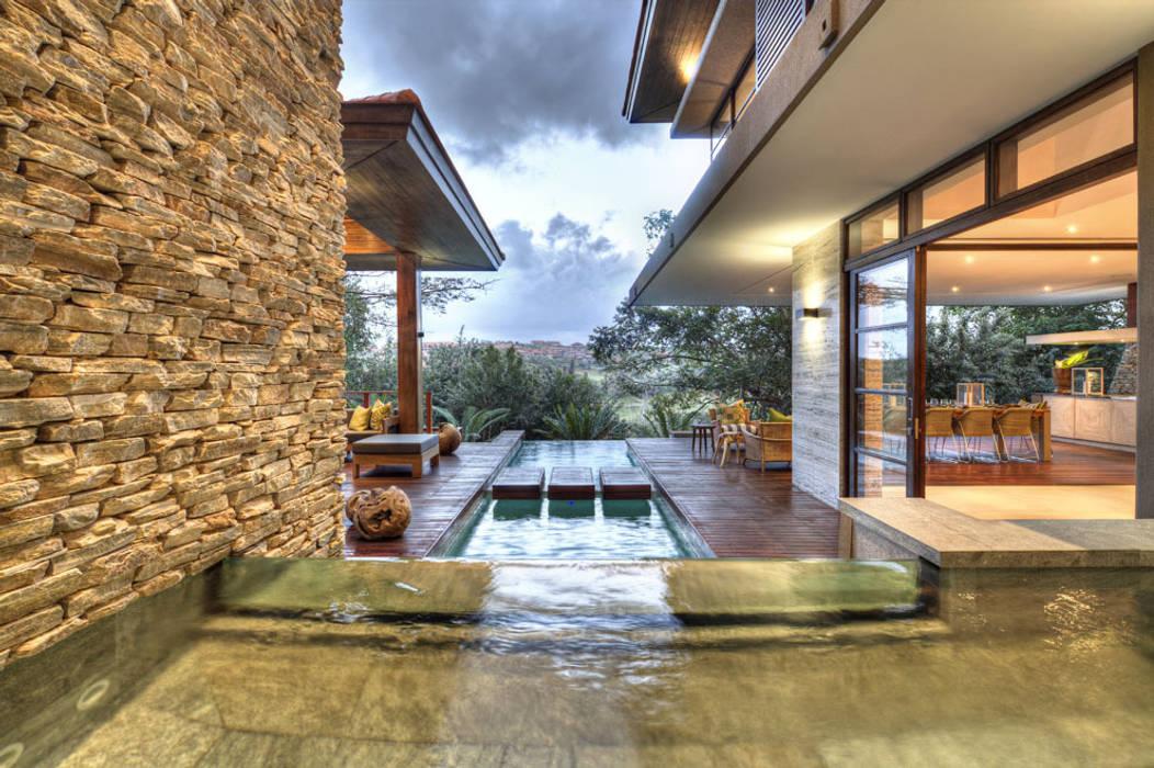 Maisons de style  par Metropole Architects - South Africa,