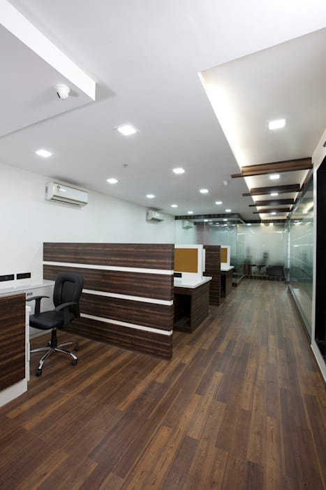 View from conference room's entrance.:  Commercial Spaces by Squaare Interior