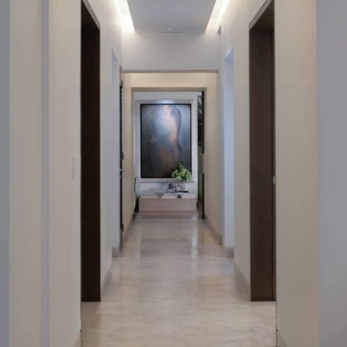 Pasillo Habitaciones de Rhyzoma - Arquitectura y Diseño
