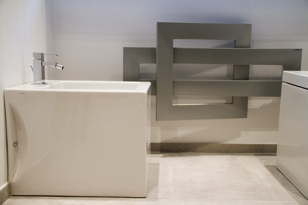 Ristrutturazione di un appartamento: Bagno in stile  di Geom. Stefano Feliziani