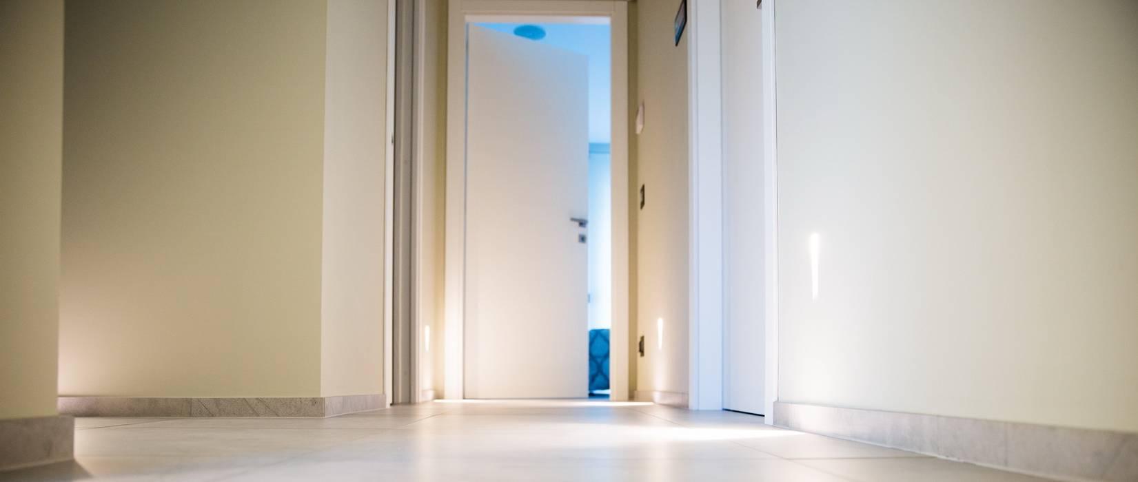 Ristrutturazione di un appartamento Case moderne di Geom. Stefano Feliziani Moderno