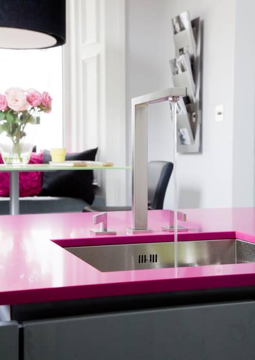 WENDY'S KITCHEN: modern Kitchen by Diane Berry Kitchens