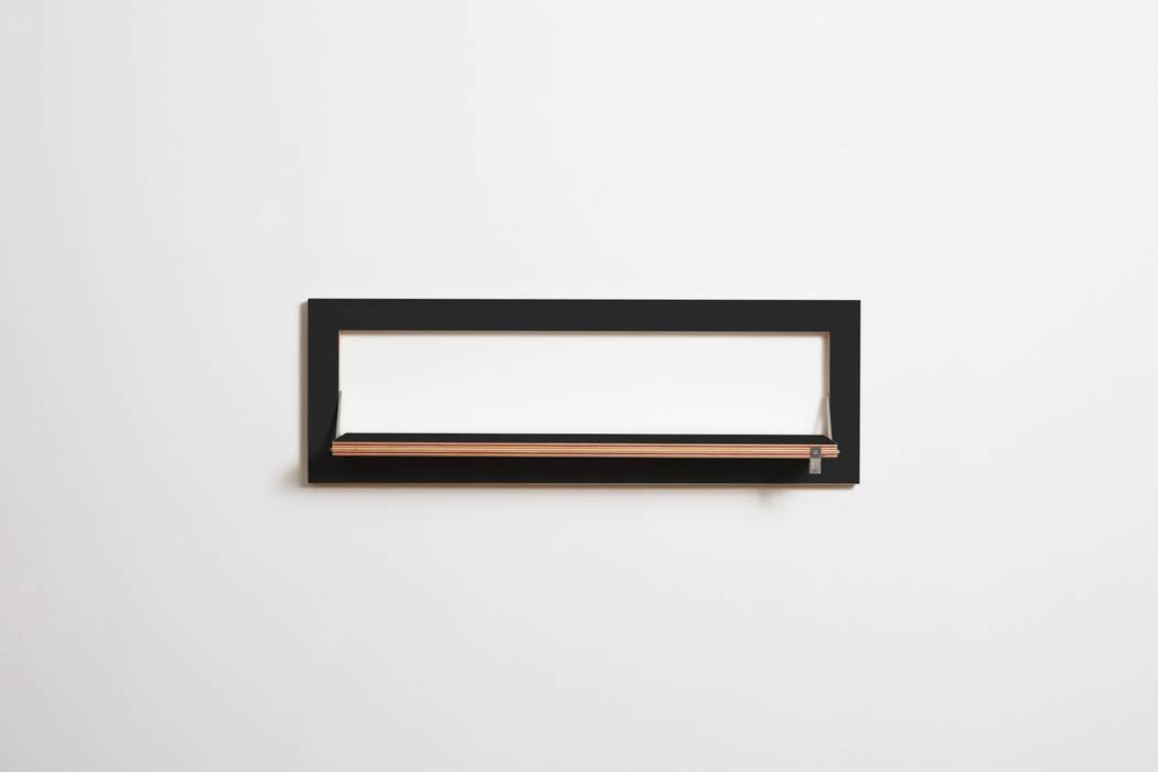 Fläpps Regal 80x27-1 – schwarz von AMBIVALENZ Minimalistisch Sperrholz