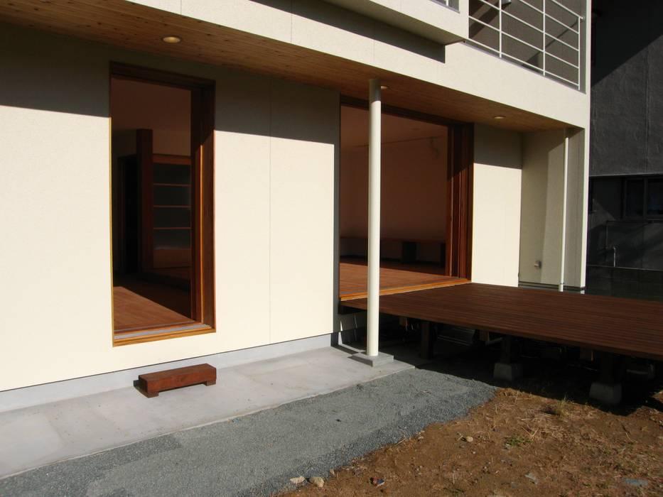高原正伸建築設計事務所 一級建築士事務所 Casas modernas