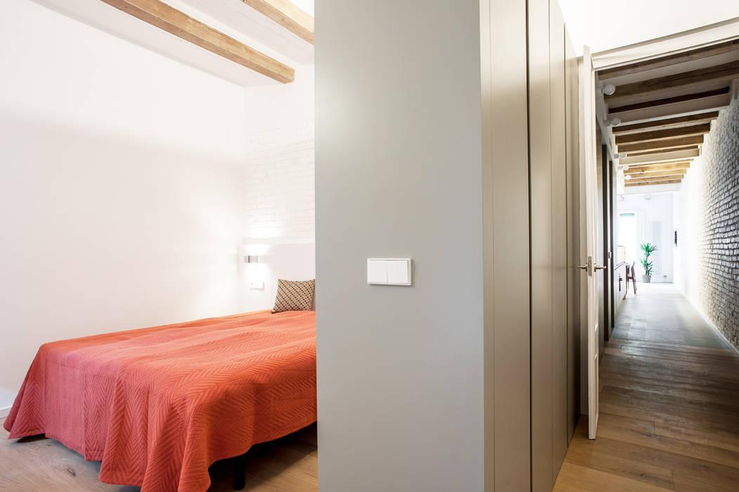 Dormitorios de estilo  por M2ARQUITECTURA