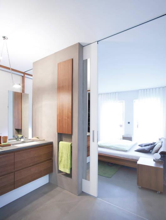 Penthouse / bad - schlafzimmer moderne badezimmer von ...