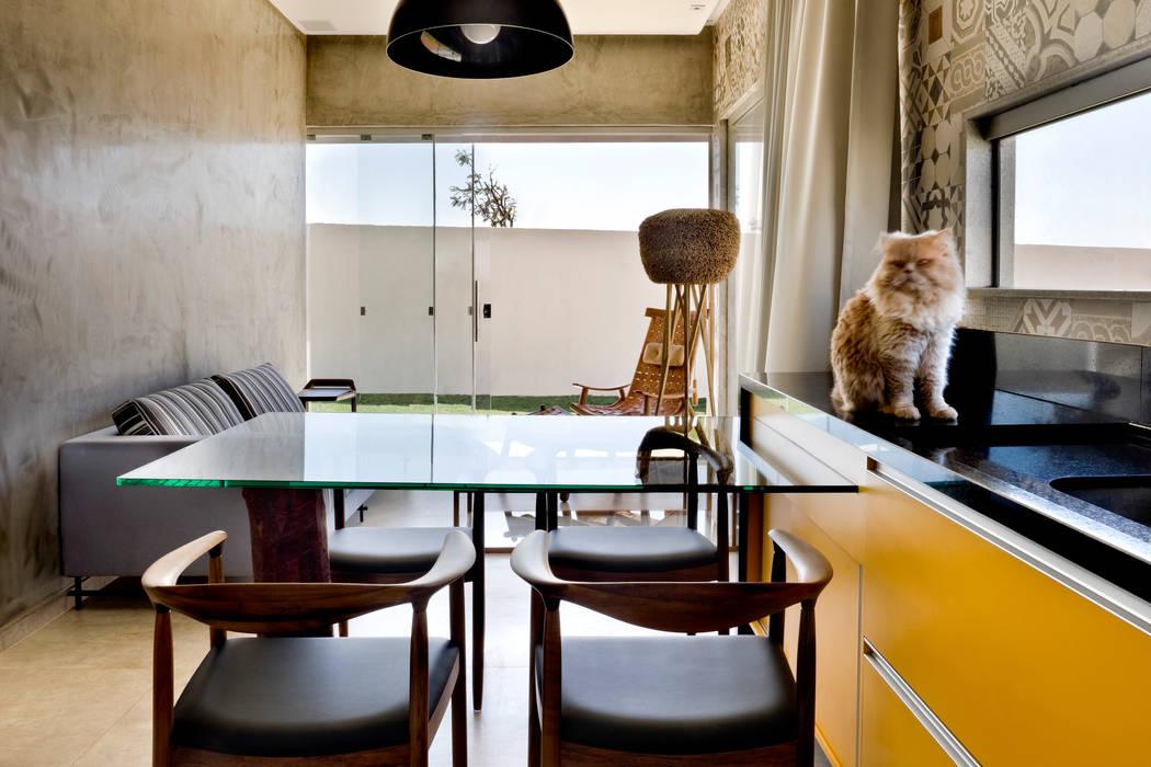 Ruang Makan Gaya Industrial Oleh SAINZ arquitetura Industrial