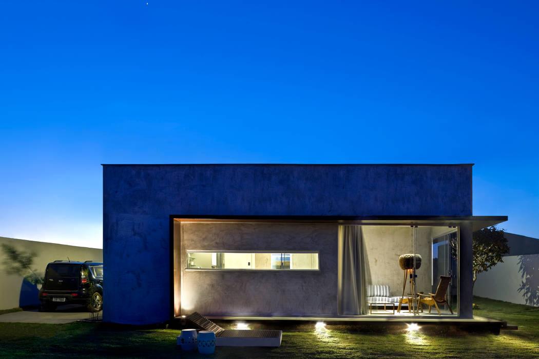 Industriale Häuser von SAINZ arquitetura Industrial