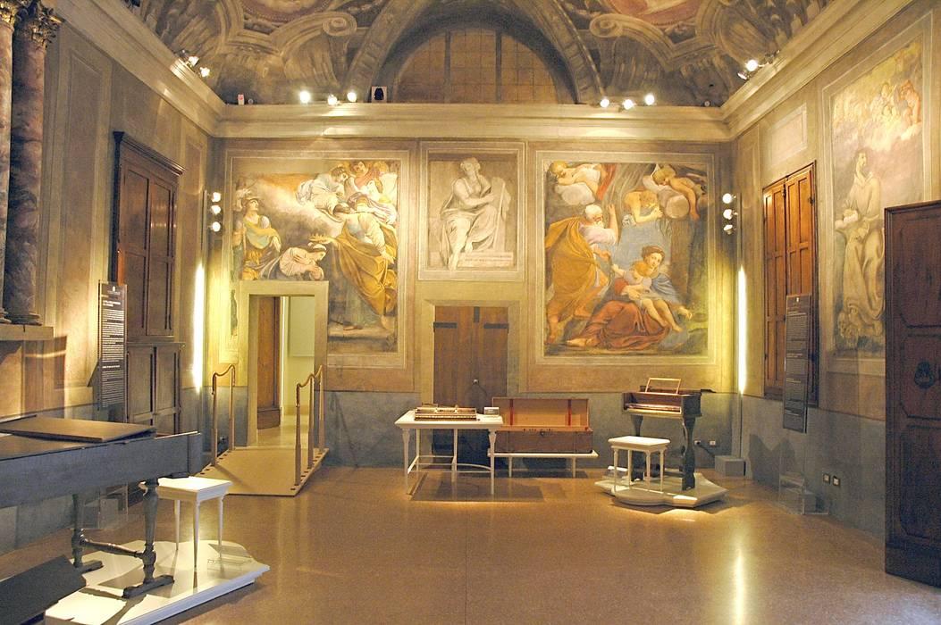 COMPLESSO DI SAN COLOMBANO, Bologna:  in stile  di Architetto Francisco Giordano