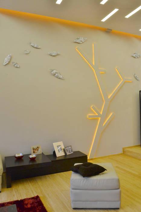 WALL TREE LAMP: Salas de estilo ecléctico por TAODESIGN  Taller de Ambientes y Objetos